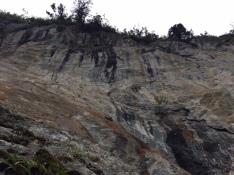 Une falaise vertigineuse